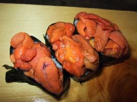 Uni (raw sea urchin)